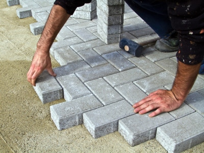 Installign a new block driveway